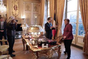 عکس/ «مرکل» در دفتر کار رئیس جمهور فرانسه