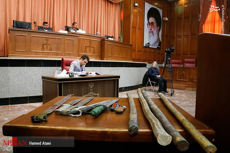 سلاح های ضبط شده از  دراویش آشوبگر در خیابان پاسداران