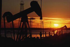 مشکل اصلی وزارت نفت زنگنه است
