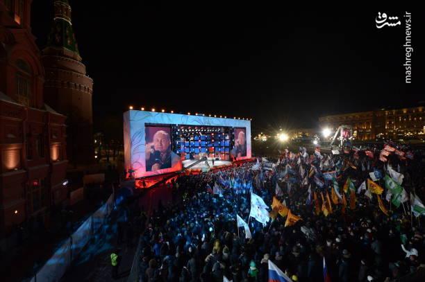 نتایج اولیه و نظرسنجی درون شعب انتخابات ریاستجمهوری روسیه نشان میدهد «ولادیمیر پوتین» با کسب بیش از ۷۰درصد آرا بار دیگر به عنوان رئیسجمهور روسیه برگزیده شده است.