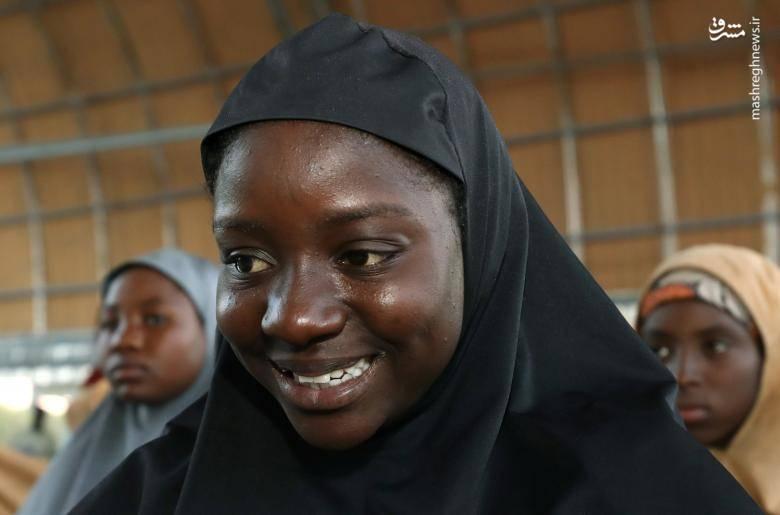 ۷۶ تن از ۱۱۰ دختر دانش آموزی که توسط بوکوحرام ربوده شده بودند آزاد شدند.