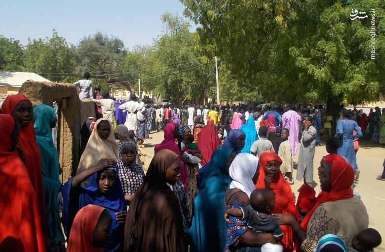 ارتش نیجریه در جریان ربوده شدن این دختران عملیات خود در منطقه را متوقف کرد تا مانع از کشته شدن دختران شود.