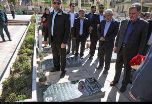 عکس/ حضور جهانگیری در گلزار شهدای کرمان