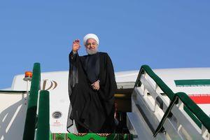 عکس/ استقبال ایرانیان مقیم باکو از روحانی
