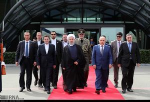 عکس/ روحانی به تهران بازگشت