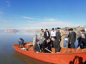 عکس/ بازدید جهانگیری از دریاچه ارومیه