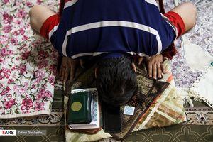 عکس/مراسم معنوی اعتکاف در دانشگاه تهران و امیرکبیر