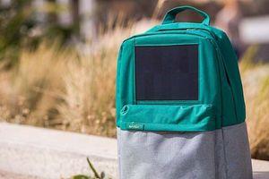 کوله خورشیدی برای شارژ گوشی +عکس