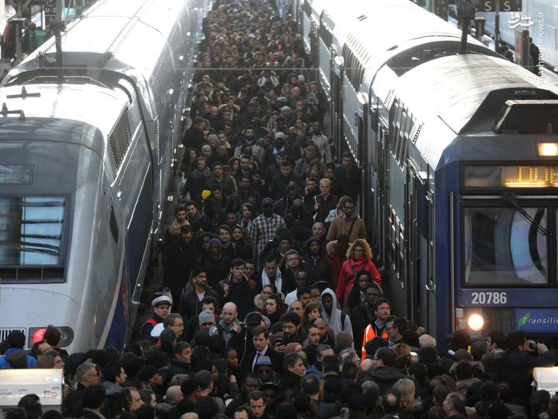 این گستردهترین موج اعتصاب در فرانسه از زمان ریاست جمهوری امانوئل مکرون در ماه مه (حدود ۱۱ ماه پیش) بوده است.