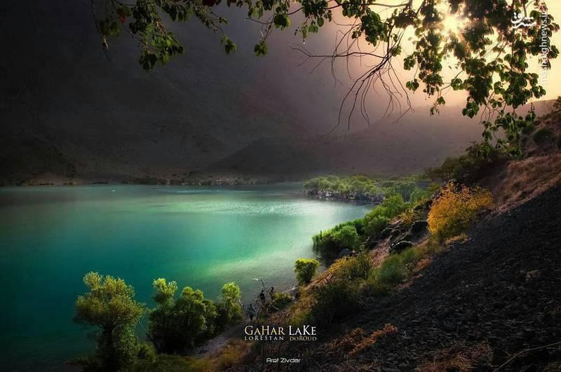 تصویری زیبا از دریاچه گَهَر در شهرستان دورود