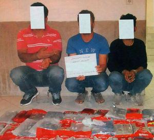 عکس/ بازداشت باند حَشیشفروشان در شهرری