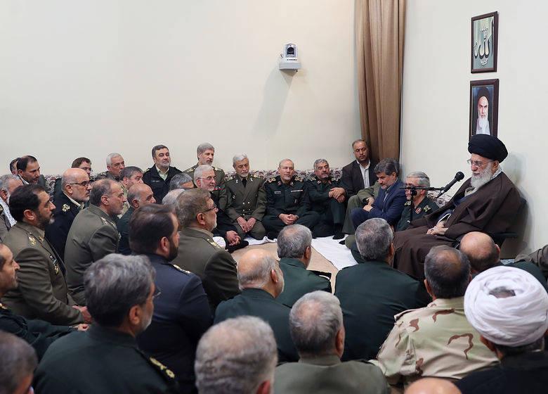 دیدار جمعی از فرماندهان نیروهای مسلح با رهبر معظم انقلاب اسلامی