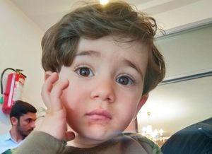 عکس/ امیر علی یک و نیم ساله که پدرش توسط اسراییل به شهادت رسید