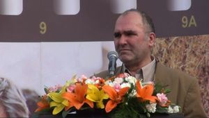 فیلم/ لحظه غش کردن رضا برجی در مراسم بزرگداشت شهید آوینی