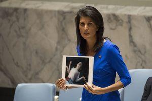 بازی آمریکا با سناریو حمله شیمیایی به سوریه/ چه کسی تسلیحات شیمیایی را از لیبی به تروریستهای سوریه رساند؟