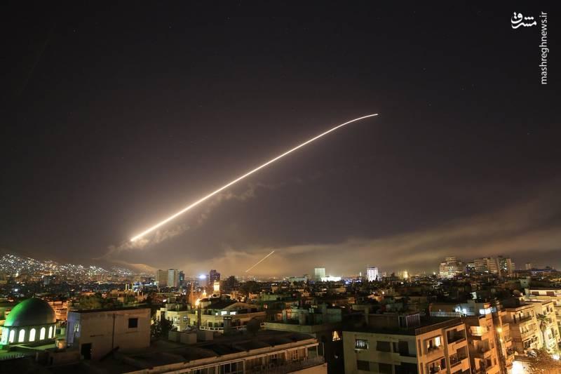 پاسخ پدافند سوریه به موشک های آمریکا، انگلیس و فرانسه