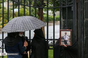 عکس/ تجمع اعتراضی خانواده جانباختگان سانحه هوایی یاسوج