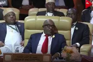 فیلم/ چرت زدن رئیس جمهور کومور هنگام سخنرانی دبیرکل اتحادیه عرب