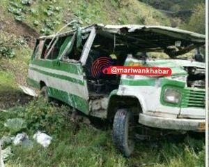 عکس/ سقوط مرگبار مینیبوس به دره