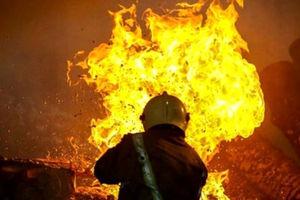 فیلم/ آتشزدن موتورسوار در پمپ بنزین!