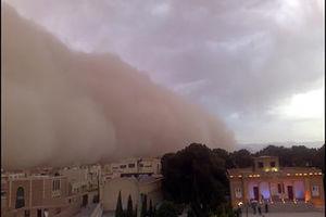 تصویری از آغاز گرد و غبار در یزد