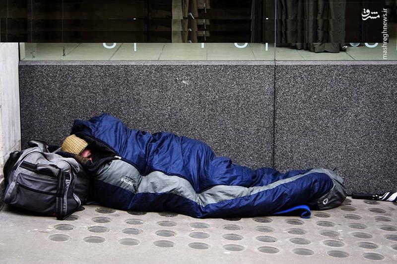 """مدیرعامل موسسه خیریه """"بحرانها"""" میگوید: اینکه در یک کشور ثروتمند و پیشرفته هر سال تعداد افرادی که مجبور میشوند در شرایط خطرناک و سرما در خیابان بخوابند بیشتر میشود یک فاجعه واقعی است."""