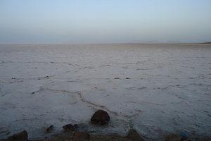 فیلم/ دریاچه نمک در دل کویر
