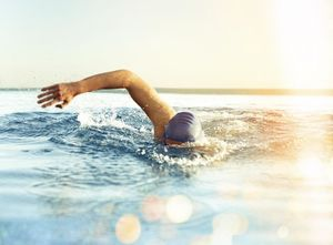 فواید ورزش شنا برای بدن