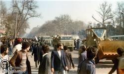 آمریکا در جریان انقلاب اسلامی با چه گروههایی در تماس بود؟