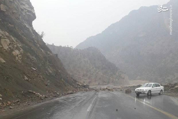 ریزش کوه بر اثر زمین لرزه بوشهر