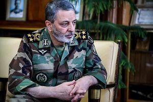 فرمانده ارتش:سپاه وظیفه دارد در برابر تهدیدات بایستد