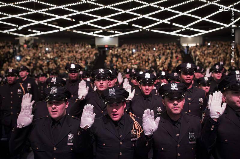 سوگند فارغالتحصیلی در دپارتمان پلیس نیویورک