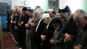عکس/ نماز سعید جلیلی در صف اهل تسنن