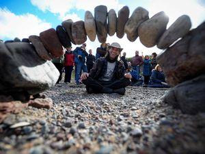 عکس/ مسابقه جالب سنگها در سواحل اسکاتلند
