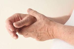 شکستن قلنج انگشتان