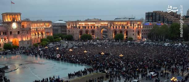 عکس/ تظاهرات ضد دولتی با لباس نظامی در ارمنستان|2803354