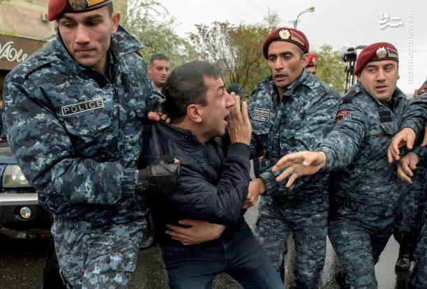 اعتراضات در ارمنستان از روز دوشنبه گذشته در ایروان و چندین شهر دیگر همزمان با معرفی سرکیسیان برای پست نخستوزیری آغاز شد.