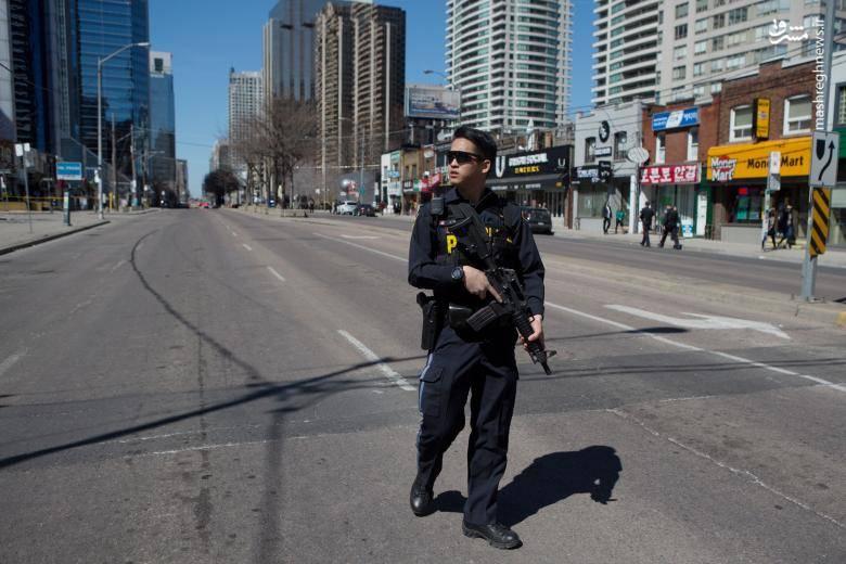 طبق گزارش رویترز، دستکم ۱۰ نفر در این حادثه کشته و ۱۵ نفر دیگر زخمی شدهاند.