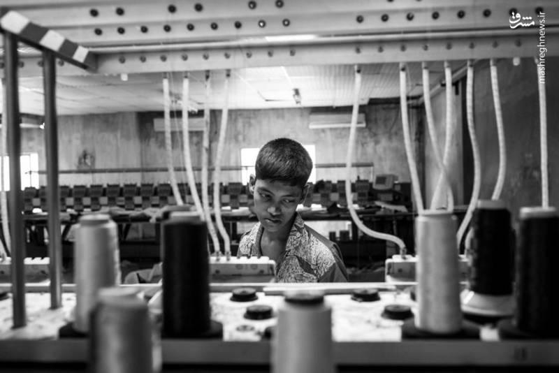 کودکان کار در کارخانه ها.