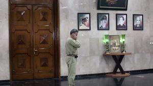 اذان در ساختمان فرماندهی ارتش +فیلم