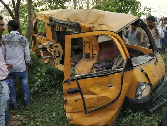 برخورد مرگبار اتوبوس دانش آموزان با قطار