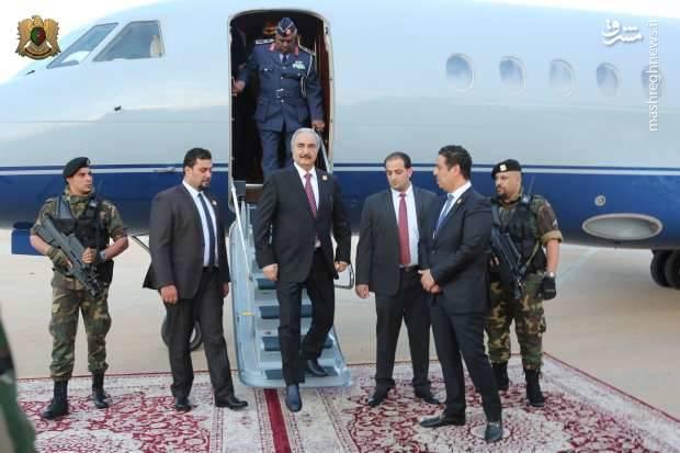 خلیفه حفتر 74 ساله روز پنجشنبه از قاهره وارد بنغازی شد.