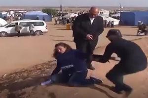 فیلم/ بیهوششدن خبرنگار زن با گاز اشک آور صهیونیست ها