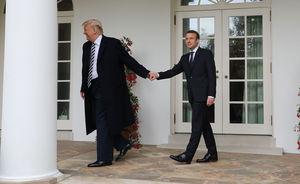 دیدار صمیمانه ترامپ و مکرون رئیسجمهور فرانسه پیش از دیدار رسمی و نسبتاً سرد وی با مرکل در کاخ سفید