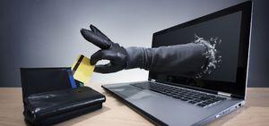 فیلم/ سارقان چگونه کارت بانکی شما را خالی میکنند؟