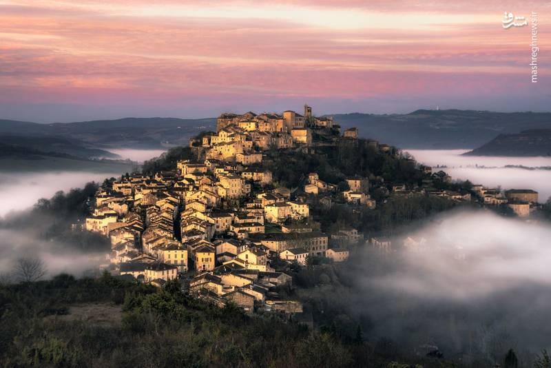 این شهر قدمتی هشتصد ساله دارد و امروزه جمعیتی در حدود ۱۰۰۰ نفر را در خودش گنجانده است.