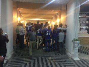 تجمع هواداران استقلال مقابل ورزشگاه +عکس