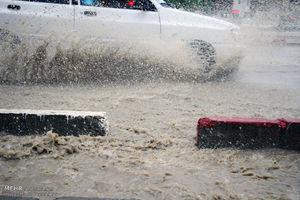 عکس/ بارش باران و آبگرفتگی معابر در سنندج