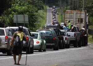 عکس/ صف طولانی فراریهای هاوایی