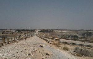 دستان تروریستها در شمال حمص و جنوب حماه به نشانه تسلیم بالا رفت/ بزرگراه بینالمللی «حمص - حماه» پس از ۷ سال در آستانه بازگشایی + نقشه میدانی و تصاویر